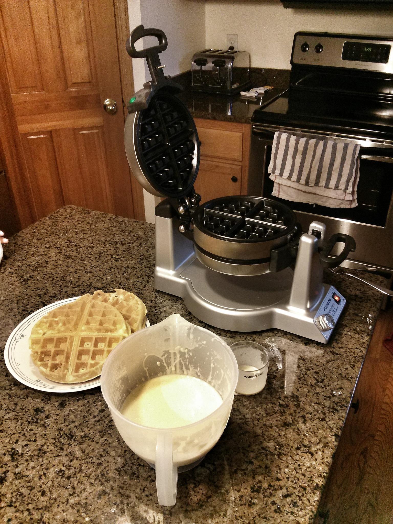 waffle iron, breakfast maker