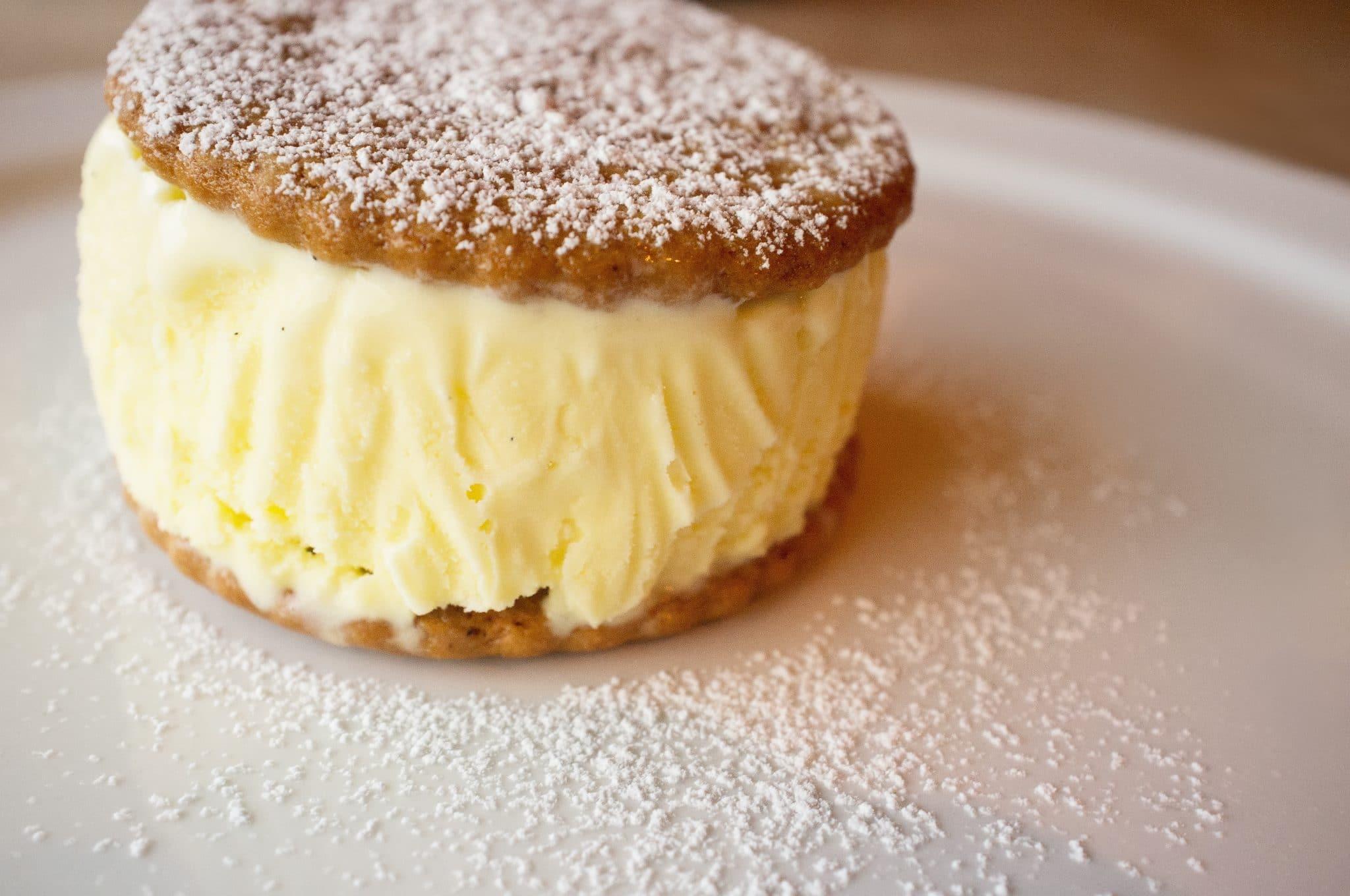 gelato cookie sandwich, gelato wafers