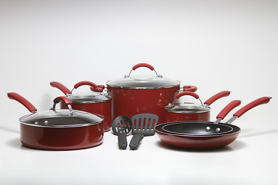 red pots and pans, red pots and pans set