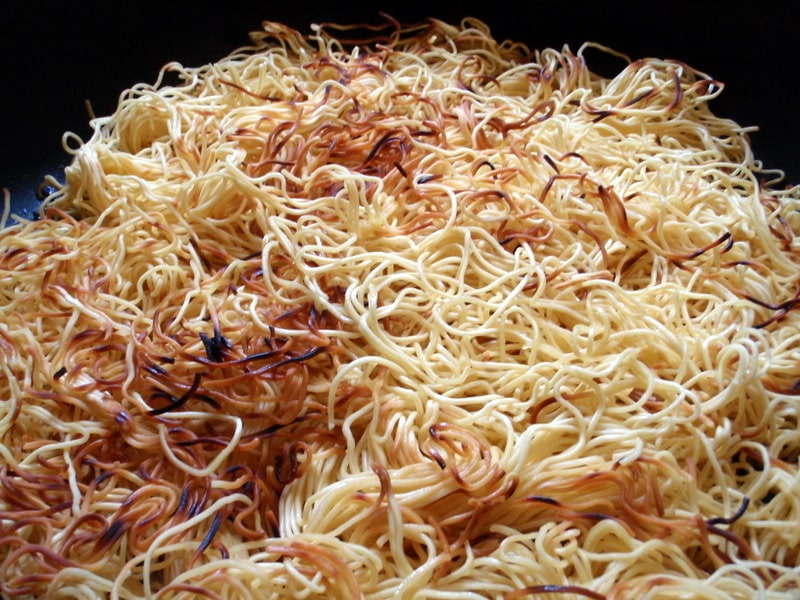 noodles with sauce, asian noodles