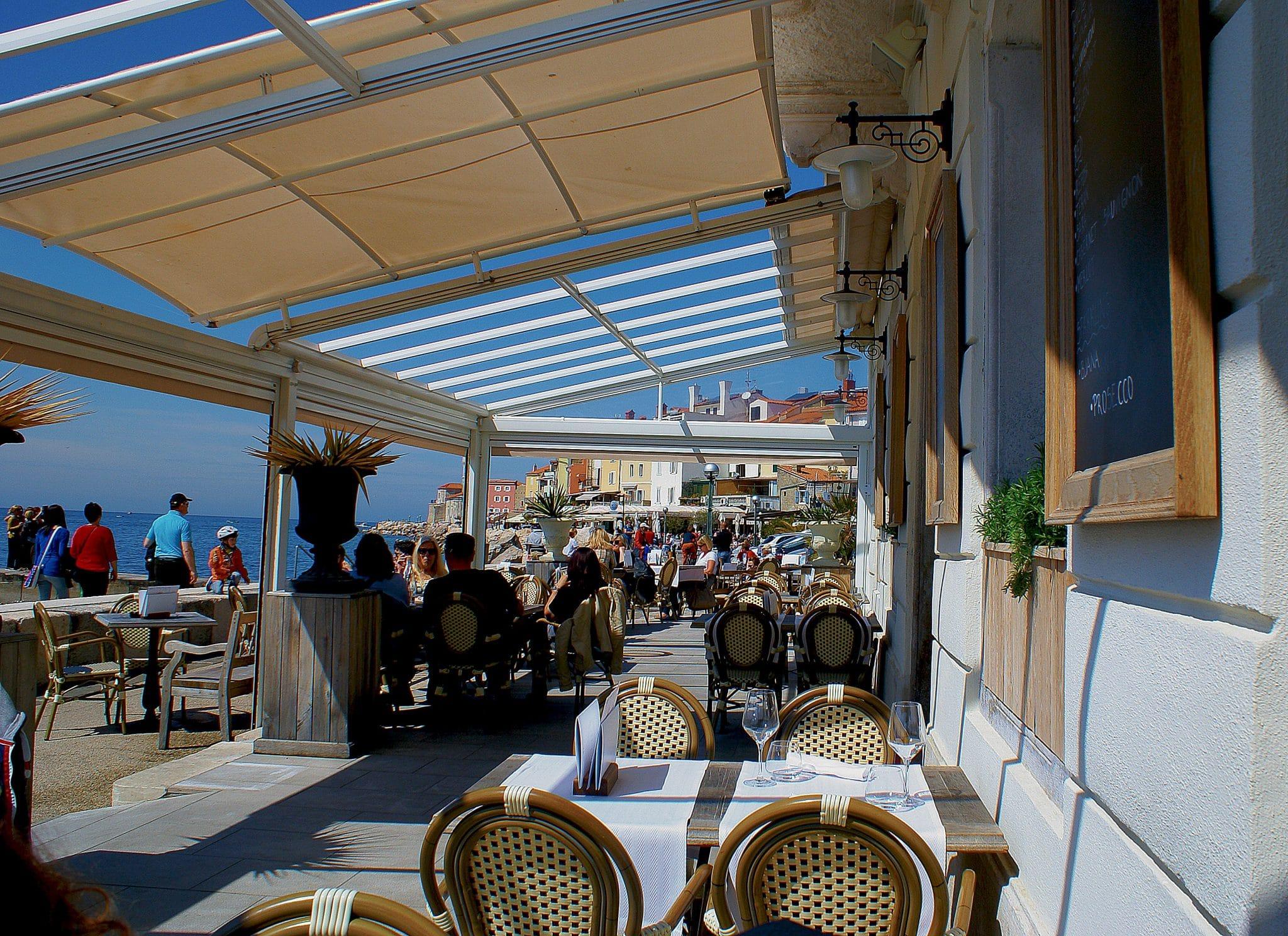 beach cafe, beach restaurant