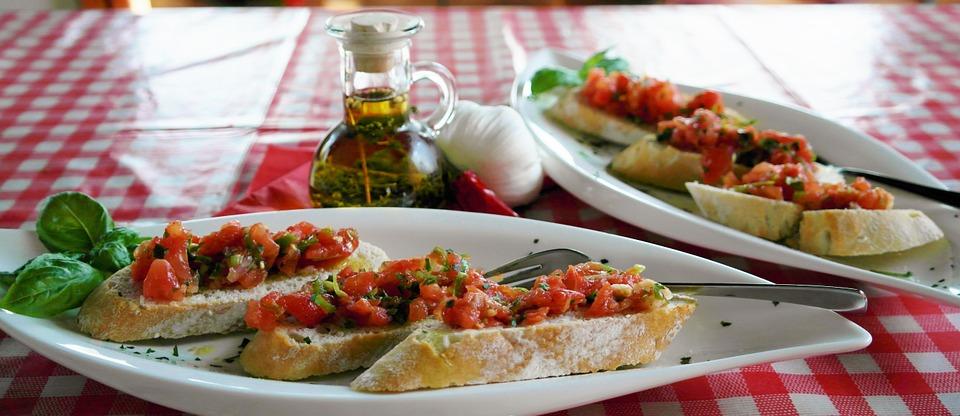 tomato bruschetta, basil tomato bruschetta