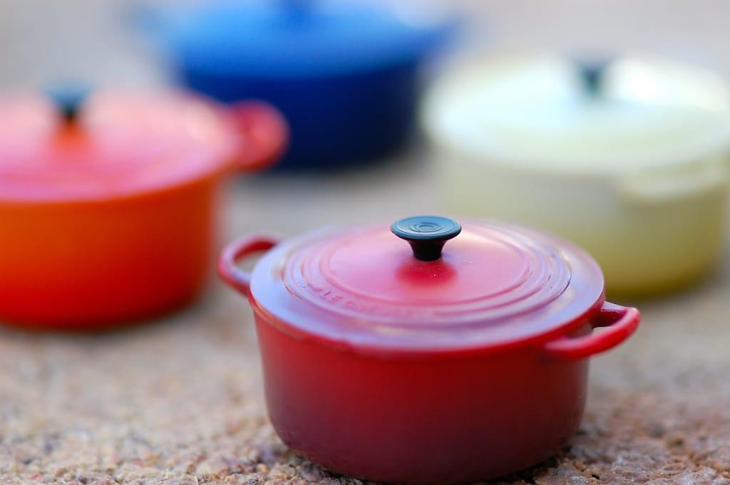 cast iron pot, large cast iron pot