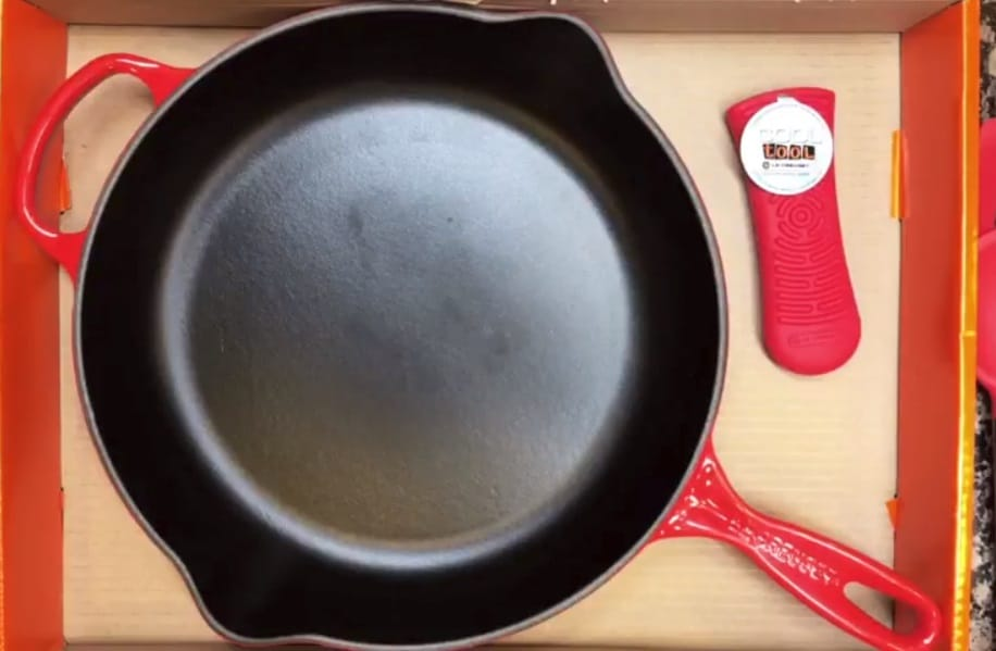 Staub Vs Le Creuset Which Cast Iron Dutch Oven To Buy