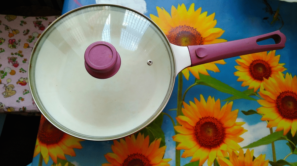 stainless steel non-stick saucepan, saucepan with lid