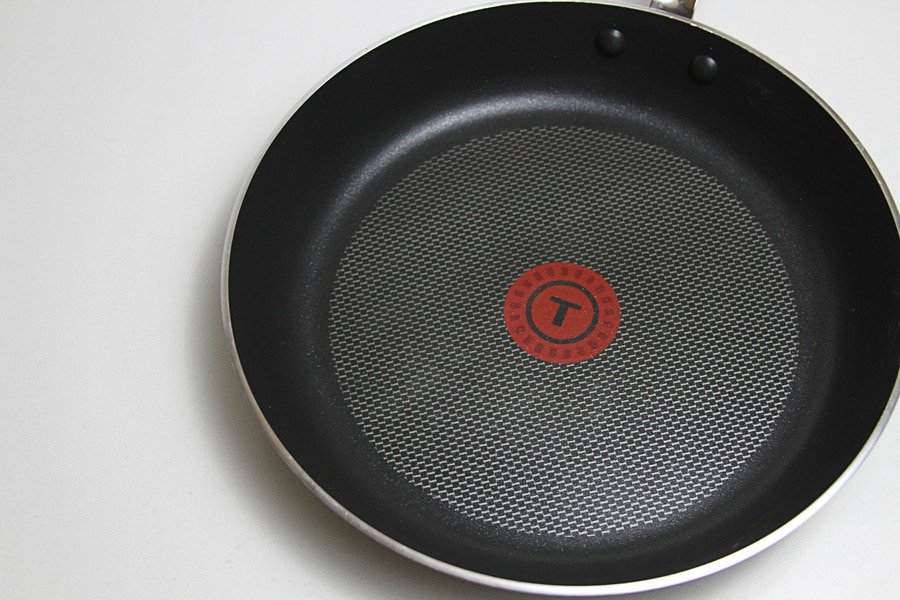 frying skillet, large frying skillet