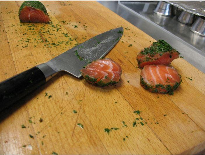 high carbon cutlery, cutting fish