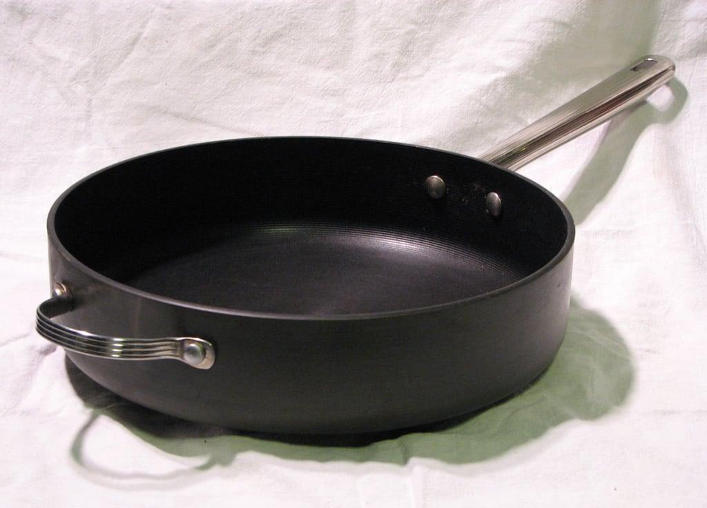 anodized aluminum pan, anodized aluminum saute pan