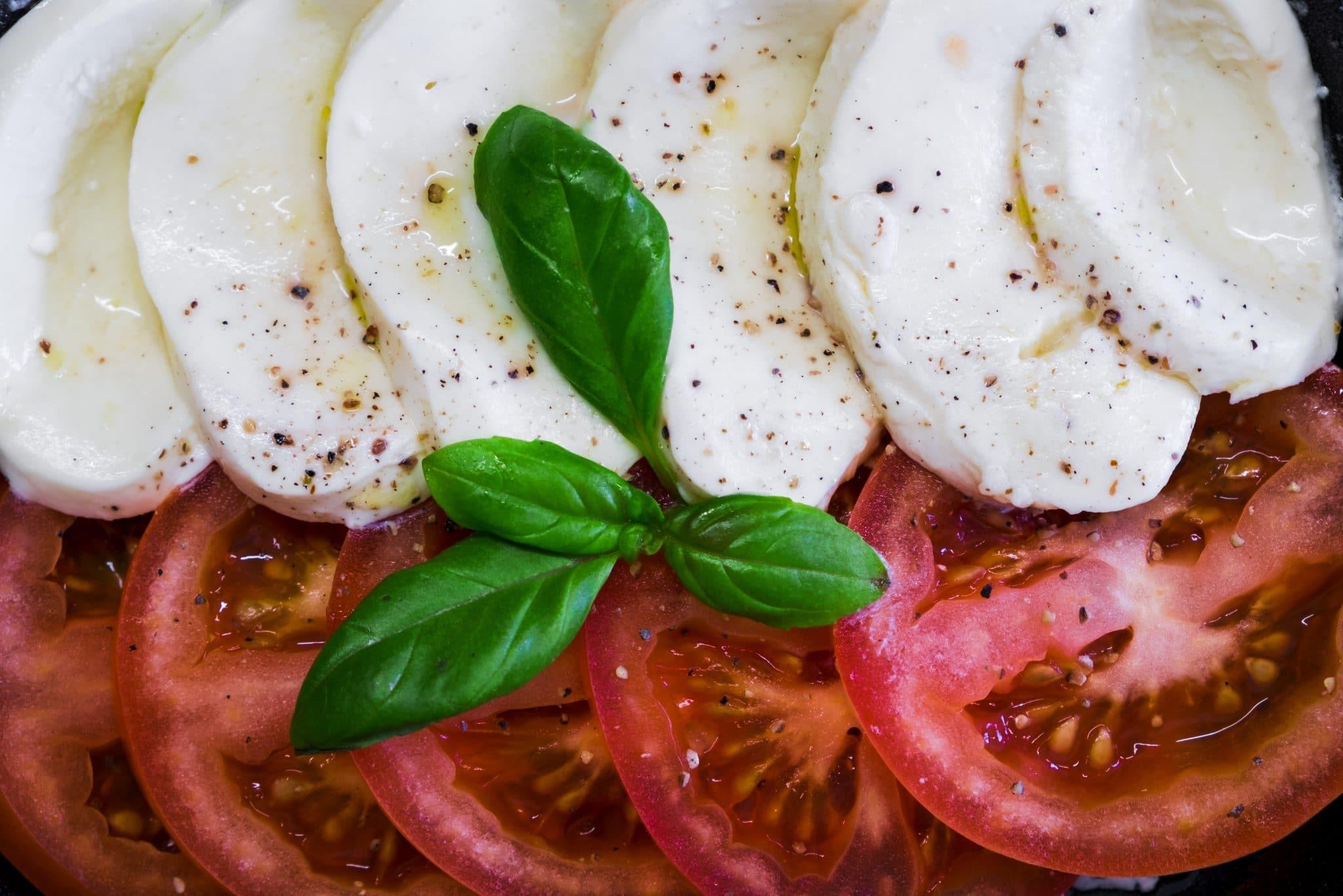 tomatoes mozzarella basil, salad tomatoes mozzarella