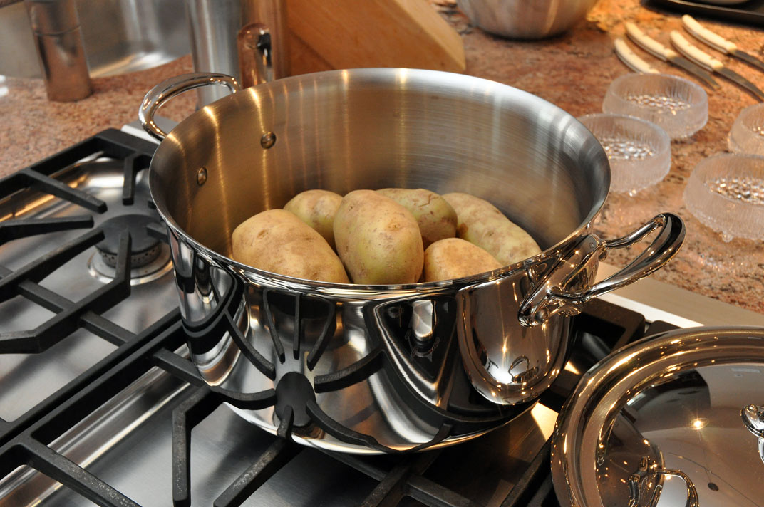 Wolfgang Puck Cookware Reviews: A Solid Celebrity-Endorsed Set? - On ...