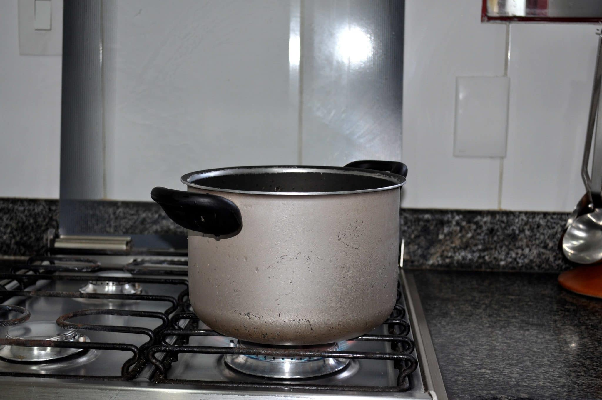 pots and pans for kitchen, professional kitchen pots and pans