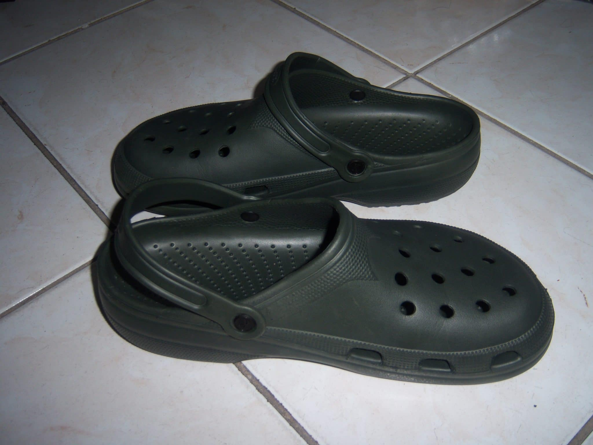 kitchen sandals, crocs sandals