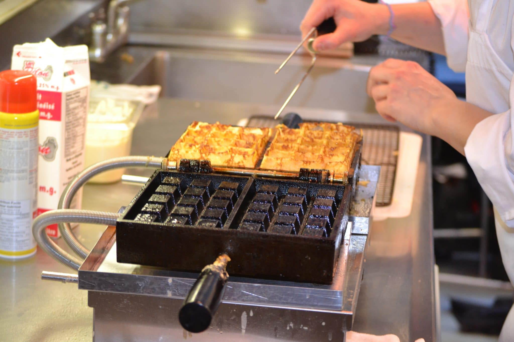 cast iron waffle maker, best belgian waffle maker