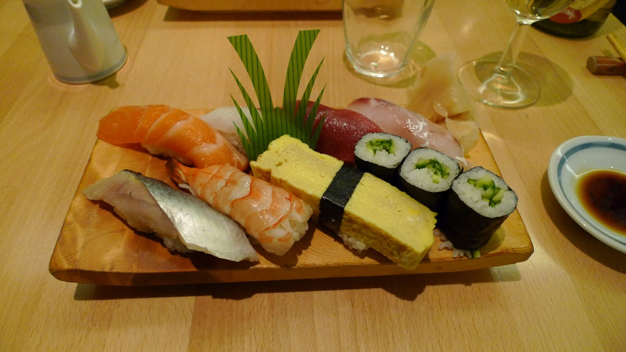 prawn nigiri, prawn sashimi
