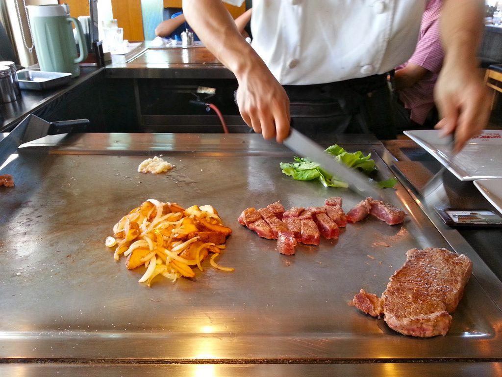 Hibachi Vs Teppanyaki Japanese Food Art On The Gas