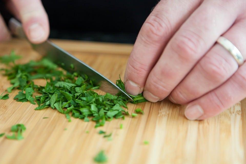 cutting herbs, best cutlery set