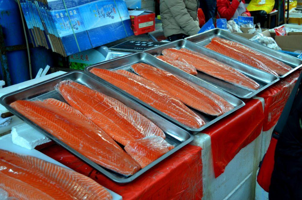 buying fish, buying fish for sushi